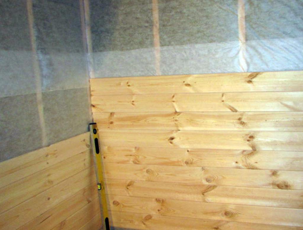 Внутренняя отделка деревянного дома имитацией бруса